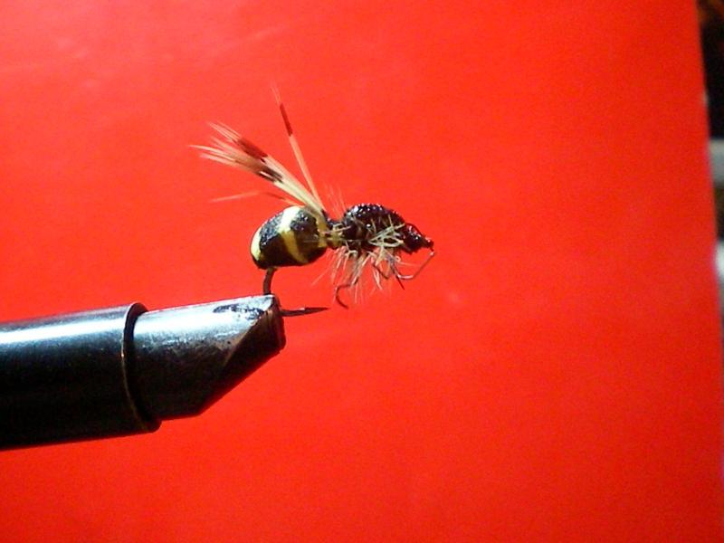 мушка для ловли красноперки